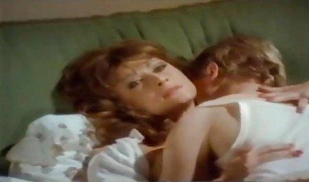 جوجه بهترین فیلمهای سکسی دنیا لاتین مهارت های ژرفای عمیق خود را نشان می دهد